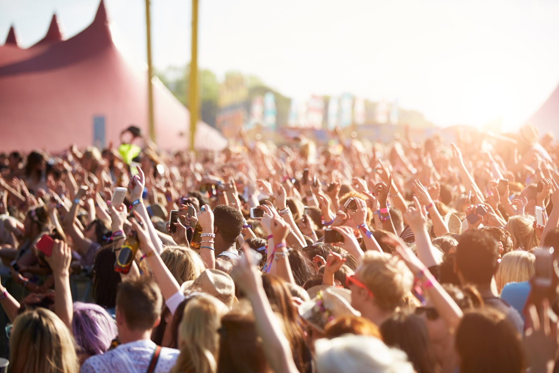 möblum-festivales_musicales-noviembre-line_up-gente-concierto